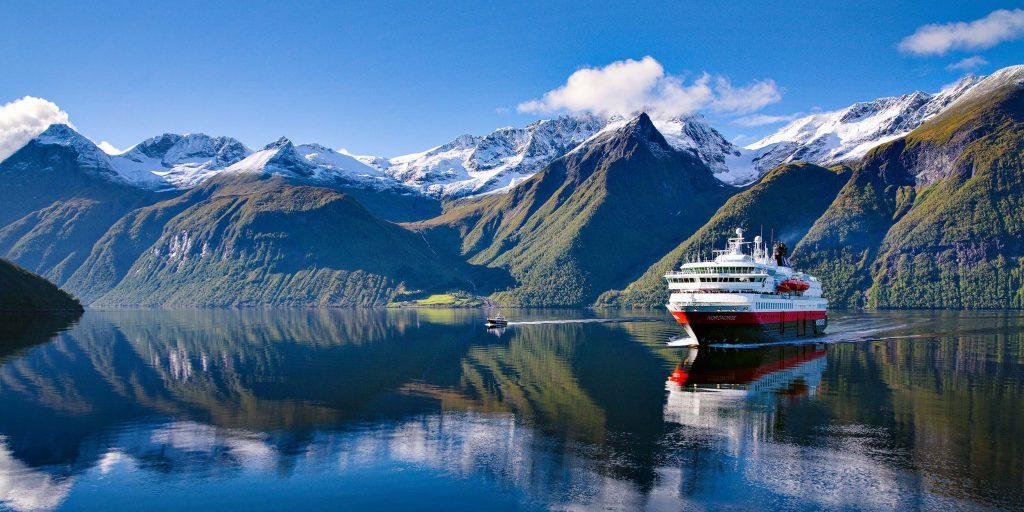 MS-Kong-Harald-Hurtigruten-schiffsreisen-kreuzfahrtvergleich24.de
